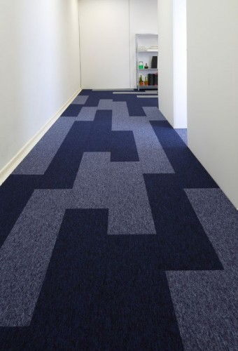 tivoli-carpet-planks-tufted-loop-pile-blue-studio-0086.jpg