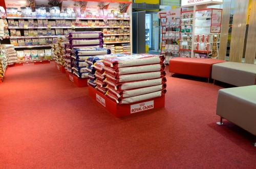 pet-shop-velour-excel-carpet-tiles-04.jpg